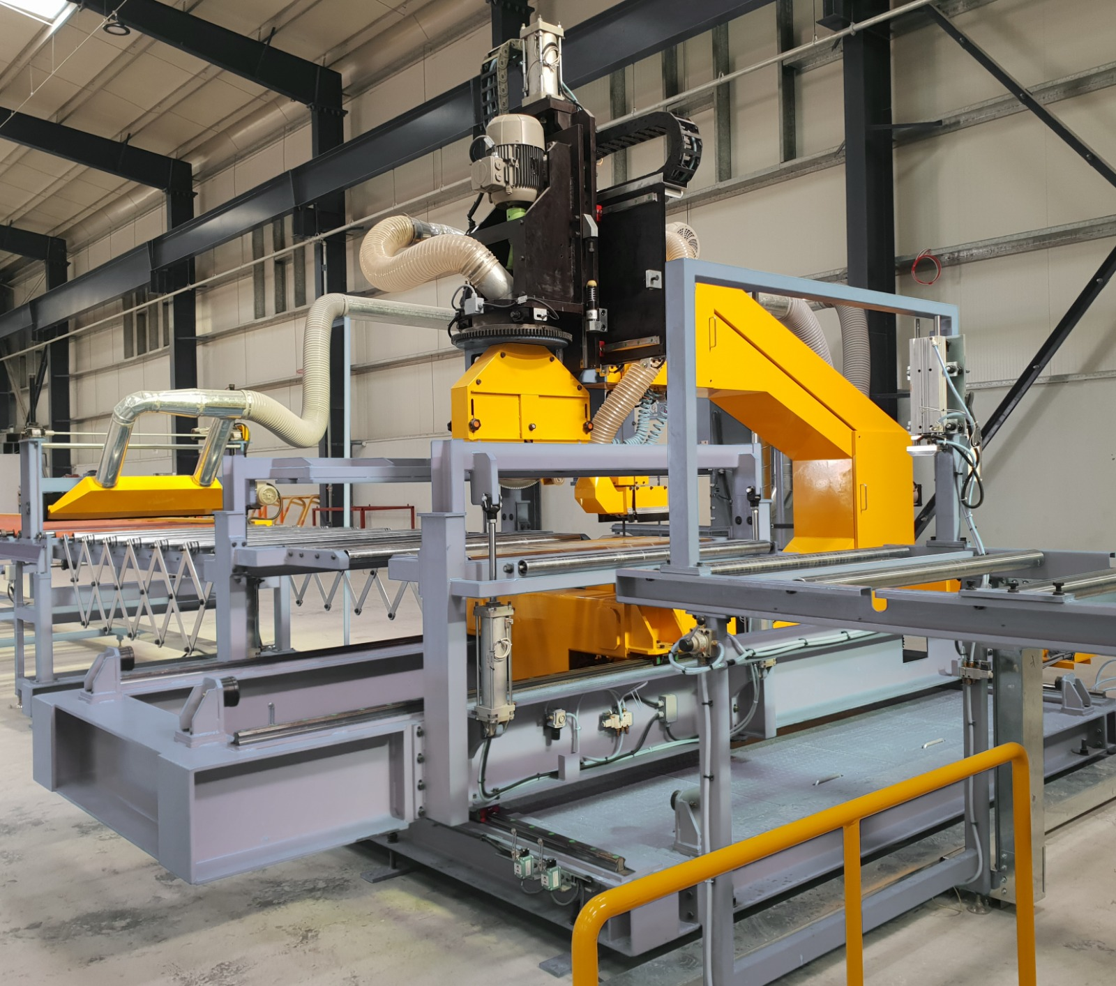 Cross cutter - Sandwich Panel Production line-fineagles