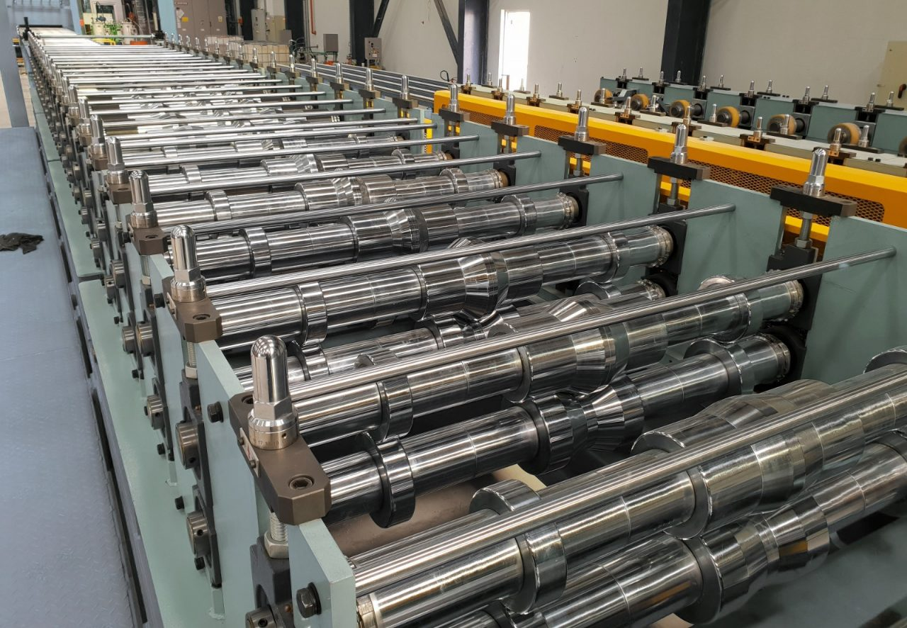 Sandwich Panel Production line-Roll Forming Machine-fineagles