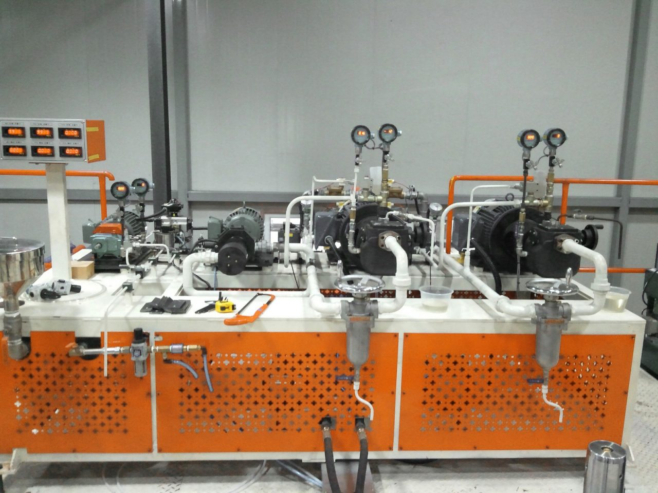 D-1 PU foaming machine